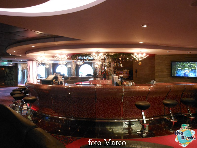 """The Aft Lounge"" - il lounge principale di Msc Splendida-06-jpg"