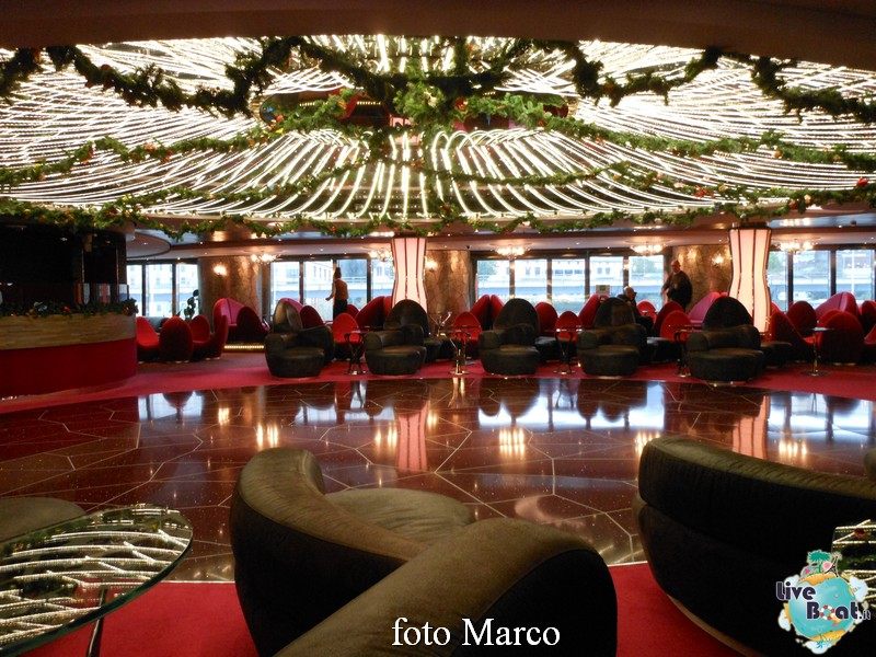 """The Aft Lounge"" - il lounge principale di Msc Splendida-08-jpg"