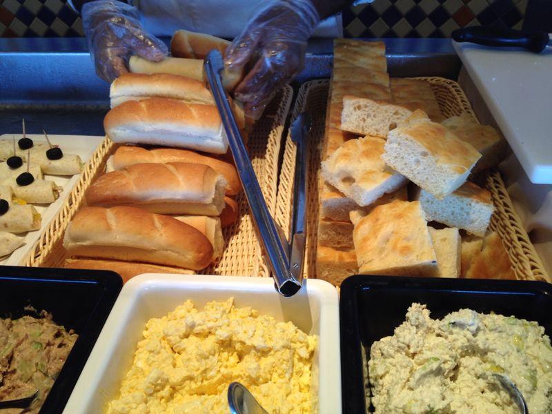 2014/07/30 Ibiza, Spain-pranzo-al-buffet-di-msc-sinfonia-durante-la-navigazione-8-jpg