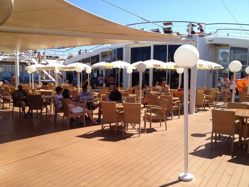2014/07/30 Ibiza, Spain-pranzo-al-buffet-di-msc-sinfonia-durante-la-navigazione-13-jpg