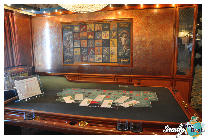 Silver Cloud - The Casino-silversea_silver_cloud_casino_liveboat_crociere002-jpg