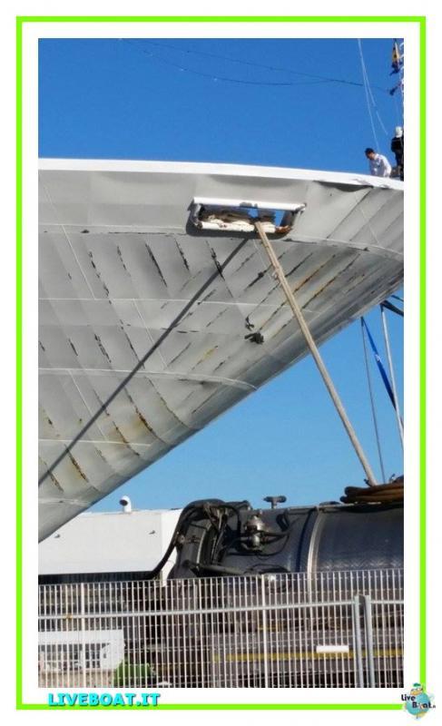 Vento e mare mosso fanno sbandare Costa neoRomantica-2costa-costaneoromantica-incidente-maltempo-liveboat-jpg