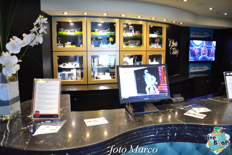 La galleria fotografica di Msc Divina-85foto-msc_divina-liveboat-yacht_club-jpg