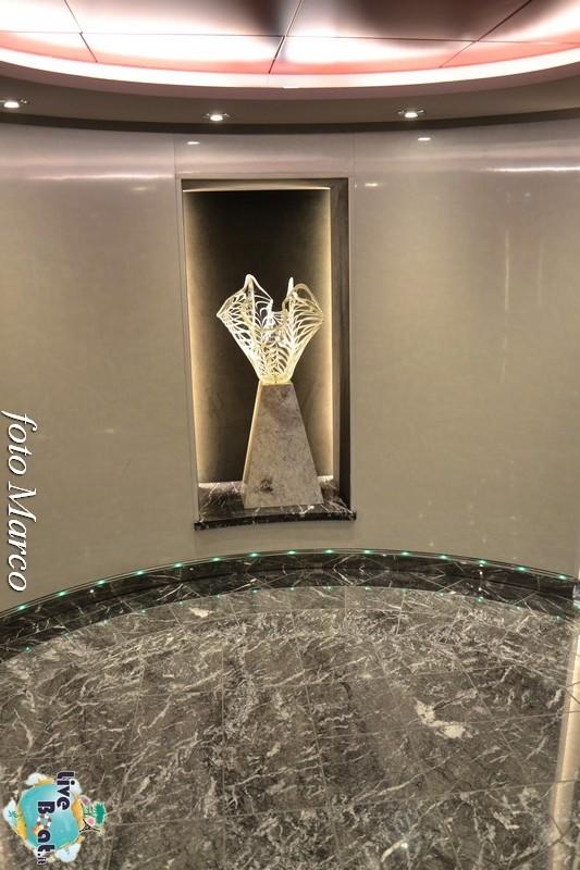 Galleria d'arte di Msc Divina-100foto-msc_divina-liveboat-yacht_club-jpg