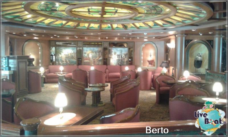 Explorers lounge-40island-princess-liveboatcrociere-jpg