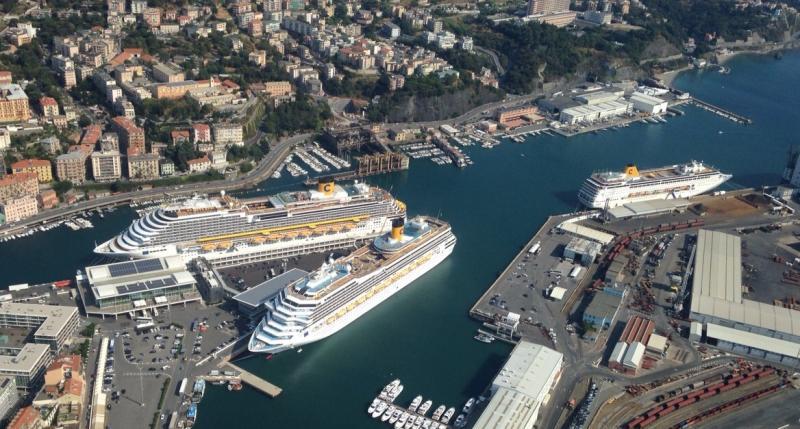 A Savona 3 navi Costa ormeggiate contemporaneamente-img-20150808-wa003-ok-1-jpg