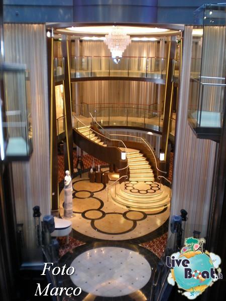 Grand Foyer di  Celebrity Silhouette-2foto-liveboat-celebrity-silhouette-jpg