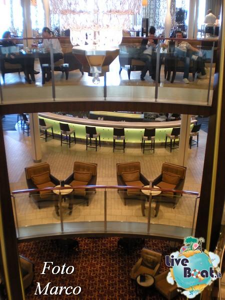 Grand Foyer di  Celebrity Silhouette-11foto-liveboat-celebrity-silhouette-jpg