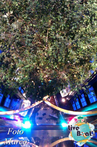Grand Foyer di  Celebrity Silhouette-20foto-liveboat-celebrity-silhouette-jpg