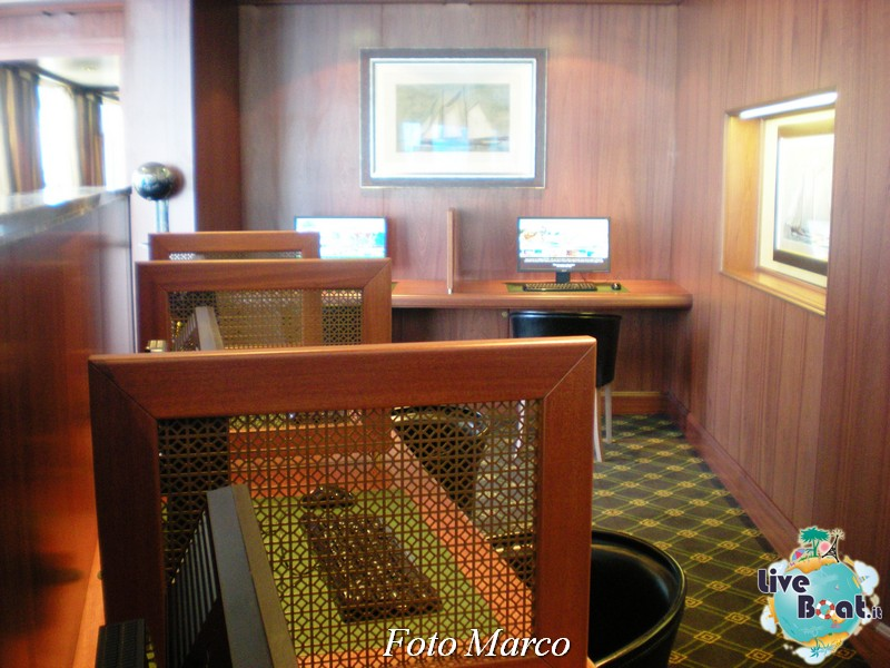 La biblioteca e l'internet point di Riviera-8foto-liveboat-riviera-oceania-jpg