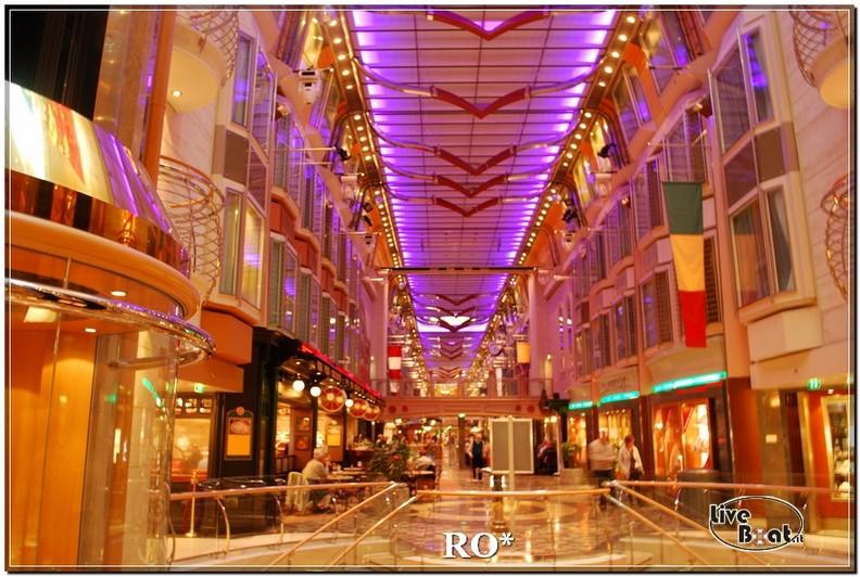 La Royal Promenade di Independence ots-17foto-liveboat-independence-ots-jpg
