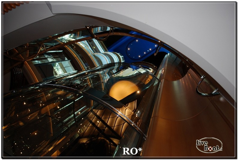 La Royal Promenade di Independence ots-29foto-liveboat-independence-ots-jpg