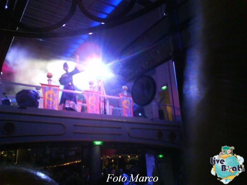 Parata di gala nella Royal Promenade di Mariner ots-165foto-liveboat-mariner-ots-jpg