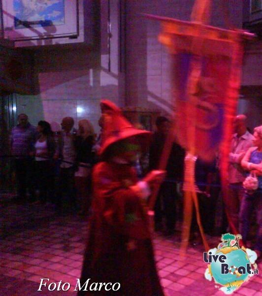 Parata di gala nella Royal Promenade di Mariner ots-167foto-liveboat-mariner-ots-jpg