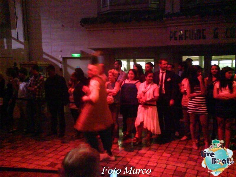 Parata di gala nella Royal Promenade di Mariner ots-170foto-liveboat-mariner-ots-jpg