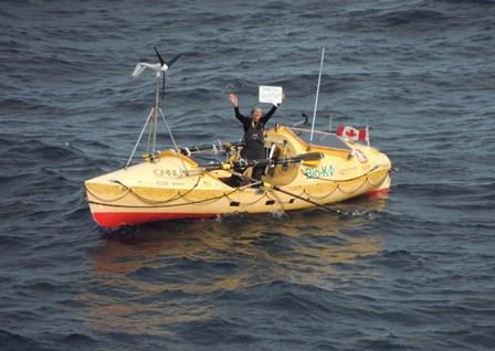 La Queen Mary 2 soccorre canottiere canadese nell'Atlantico-mylene-paquette-queen-mary-2-02-jpg