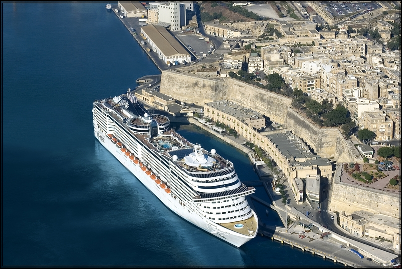 MSC Splendida al Porto di La Valletta (Malta)