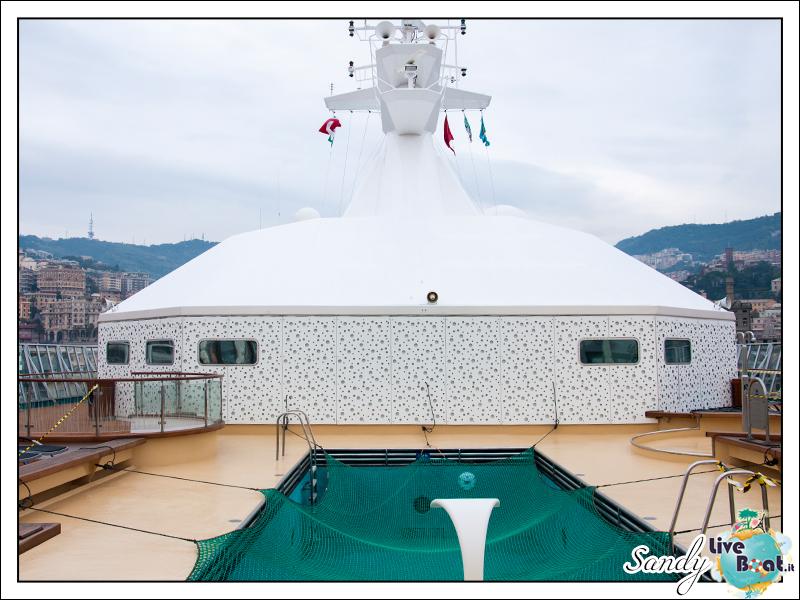 liveboat phoenix reisen artania artania pool 03