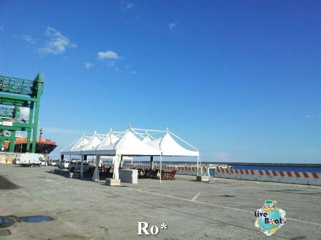 Liveboat in Diretta dall'Isola del Giglio e arrivo a Genova-6-foto-igenova-arrivo-costa-concordia-diretta-liveboat-crociere-jpg