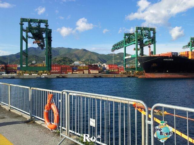 Liveboat in Diretta dall'Isola del Giglio e arrivo a Genova-11-foto-igenova-arrivo-costa-concordia-diretta-liveboat-crociere-jpg