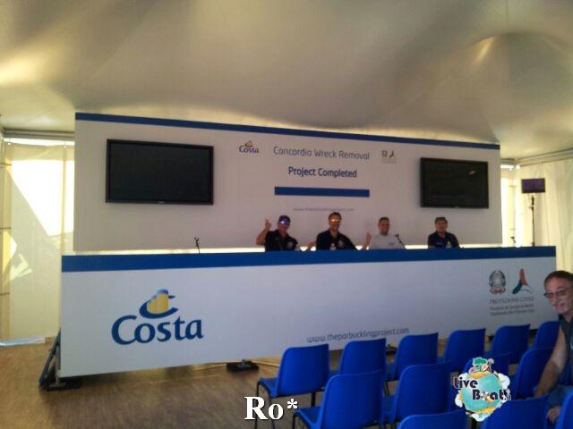 Liveboat in Diretta dall'Isola del Giglio e arrivo a Genova-8-foto-igenova-arrivo-costa-concordia-diretta-liveboat-crociere-jpg