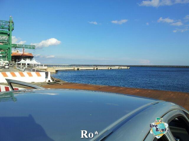 Liveboat in Diretta dall'Isola del Giglio e arrivo a Genova-3-foto-genova-arrivo-costa-concordia-diretta-liveboat-crociere-jpg