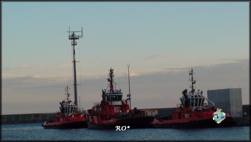 Liveboat in Diretta dall'Isola del Giglio e arrivo a Genova-sala-stampa-costa-crociere-geniova-voltri-porto-2-jpg