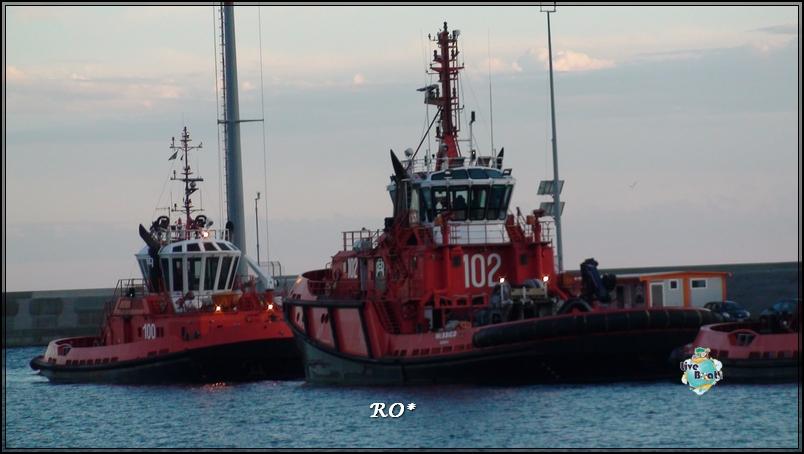 Liveboat in Diretta dall'Isola del Giglio e arrivo a Genova-sala-stampa-costa-crociere-geniova-voltri-porto-3-jpg