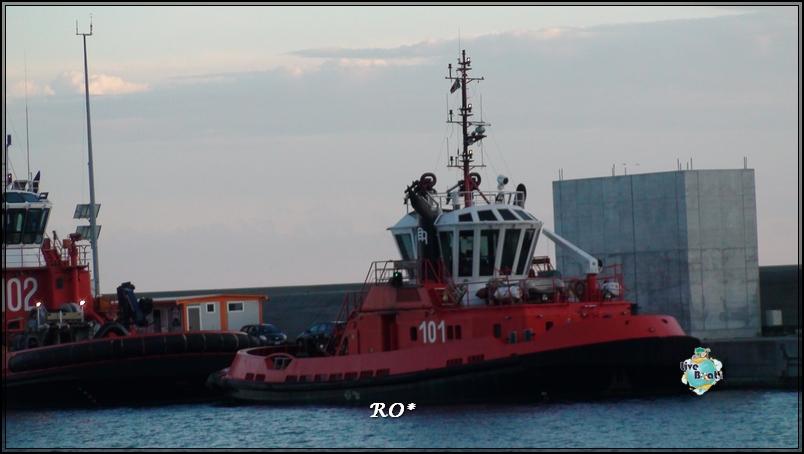 Liveboat in Diretta dall'Isola del Giglio e arrivo a Genova-sala-stampa-costa-crociere-geniova-voltri-porto-4-jpg