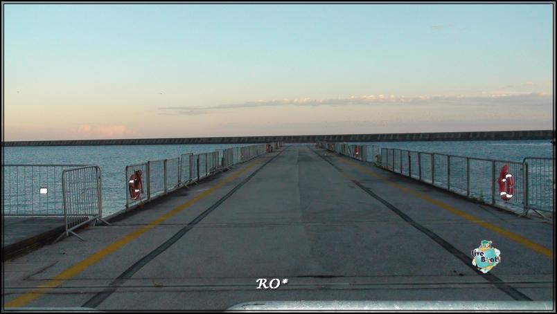 Liveboat in Diretta dall'Isola del Giglio e arrivo a Genova-sala-stampa-costa-crociere-geniova-voltri-porto-7-jpg