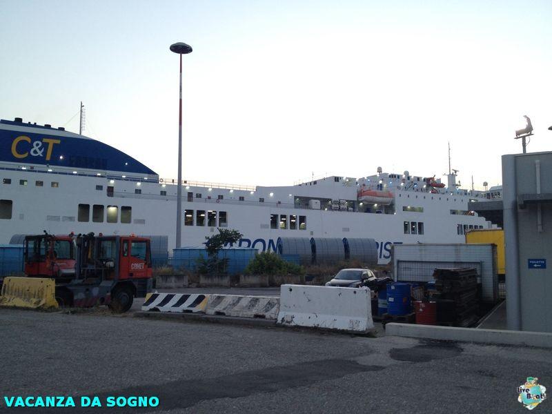 2014/07/26 Partenza, traghetto e precrociera-1mscsinfonia-prepartenza-direttaliveboat-crociere-navedeigiovani-jpg