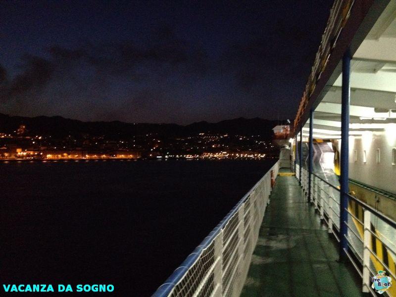 2014/07/26 Partenza, traghetto e precrociera-8mscsinfonia-prepartenza-direttaliveboat-crociere-navedeigiovani-jpg