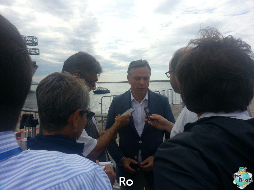 Liveboat in Diretta dall'Isola del Giglio e arrivo a Genova-02costaconcordia-genova-arrivo-jpg