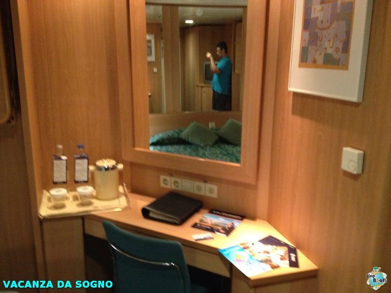 2014/07/27 Salerno, Italy (Imbarco)-6mscsinfonia-salerno-direttaliveboat-crociere-navedeigiovani-jpg