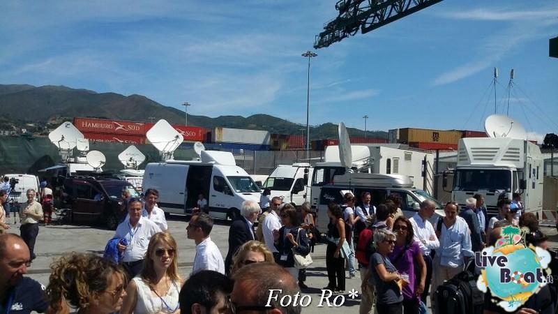 Liveboat in Diretta dall'Isola del Giglio e arrivo a Genova-16foto-costaconcordia-genova-arrivo-jpg
