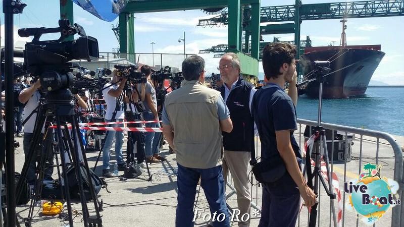 Liveboat in Diretta dall'Isola del Giglio e arrivo a Genova-17foto-costaconcordia-genova-arrivo-jpg