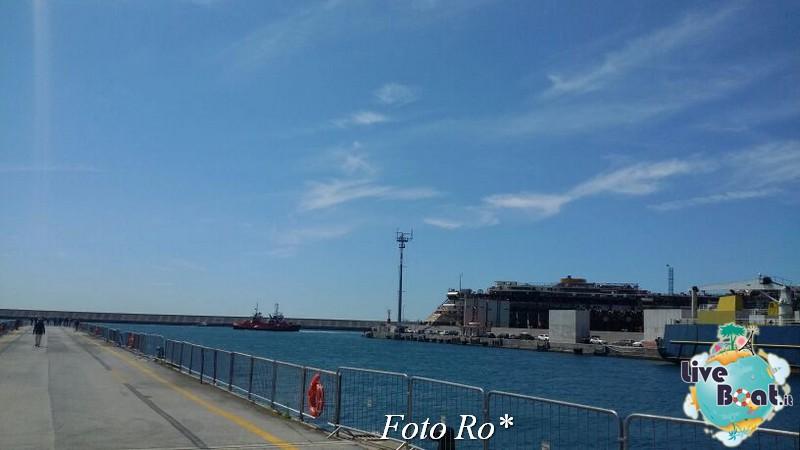 Liveboat in Diretta dall'Isola del Giglio e arrivo a Genova-13foto-costaconcordia-genova-arrivo-jpg
