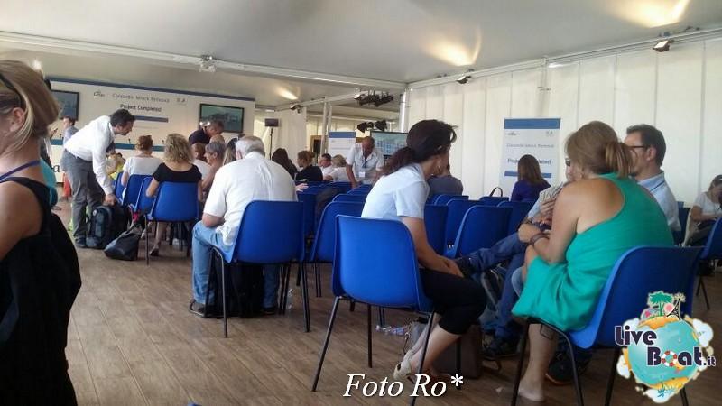 Liveboat in Diretta dall'Isola del Giglio e arrivo a Genova-1foto-costaconcordia-genova-arrivo-jpg