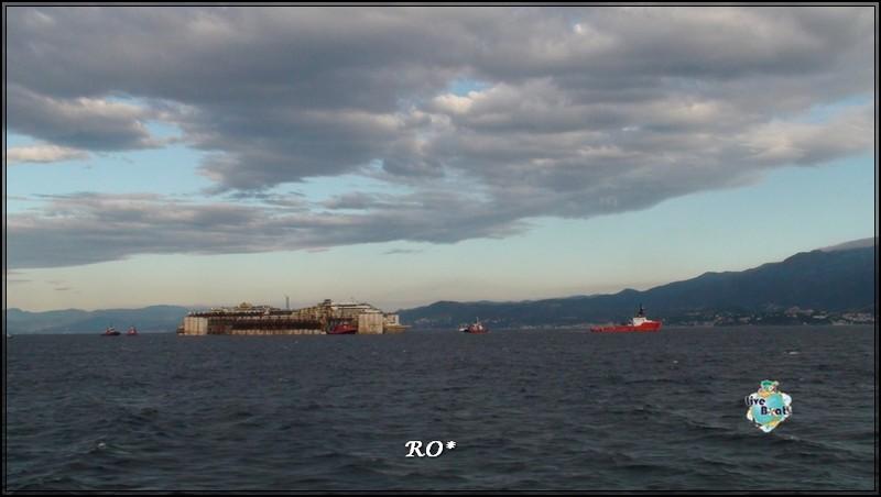 Liveboat in Diretta dall'Isola del Giglio e arrivo a Genova-38foto-costaconcordia-genova-arrivo-jpg