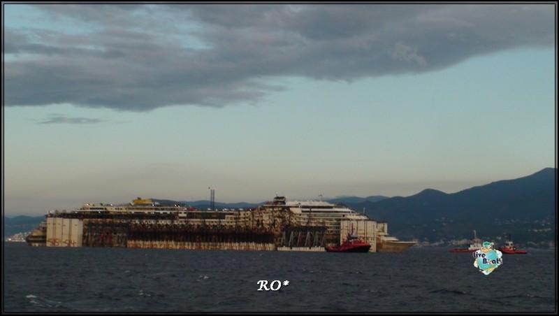 Liveboat in Diretta dall'Isola del Giglio e arrivo a Genova-39foto-costaconcordia-genova-arrivo-jpg
