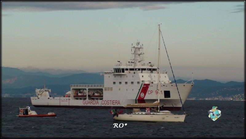 Liveboat in Diretta dall'Isola del Giglio e arrivo a Genova-41foto-costaconcordia-genova-arrivo-jpg