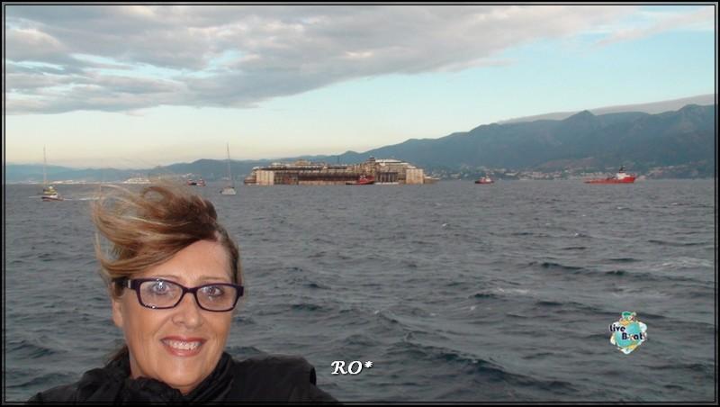 Liveboat in Diretta dall'Isola del Giglio e arrivo a Genova-43foto-costaconcordia-genova-arrivo-jpg
