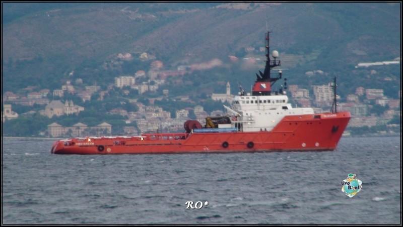 Liveboat in Diretta dall'Isola del Giglio e arrivo a Genova-44foto-costaconcordia-genova-arrivo-jpg
