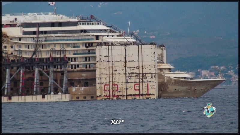 Liveboat in Diretta dall'Isola del Giglio e arrivo a Genova-49foto-costaconcordia-genova-arrivo-jpg