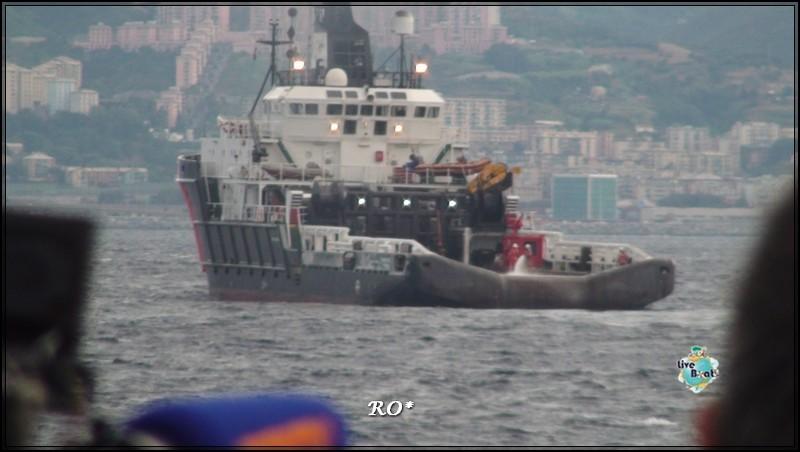 Liveboat in Diretta dall'Isola del Giglio e arrivo a Genova-55foto-costaconcordia-genova-arrivo-jpg