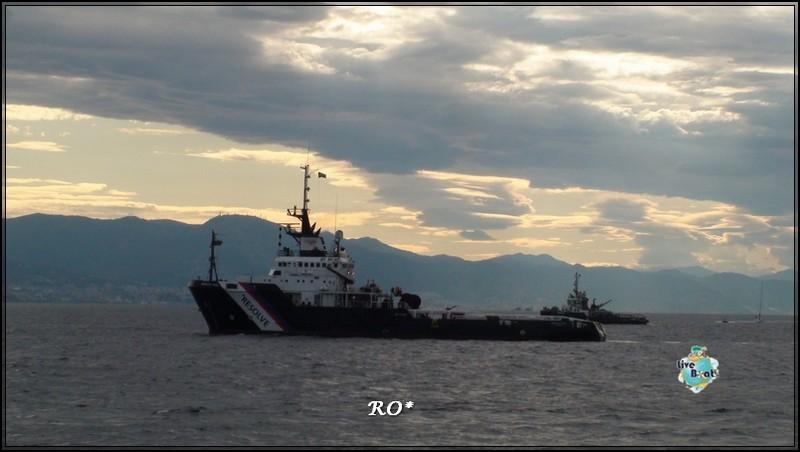 Liveboat in Diretta dall'Isola del Giglio e arrivo a Genova-57foto-costaconcordia-genova-arrivo-jpg