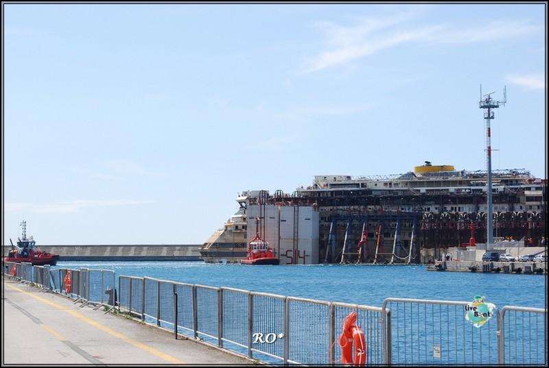 Liveboat in Diretta dall'Isola del Giglio e arrivo a Genova-12foto-costaconcordia-genova-arrivo-jpg