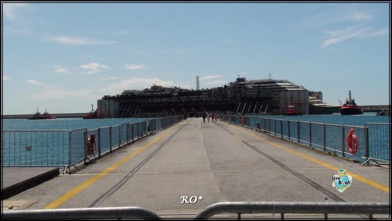 Liveboat in Diretta dall'Isola del Giglio e arrivo a Genova-84foto-costaconcordia-genova-arrivo-jpg