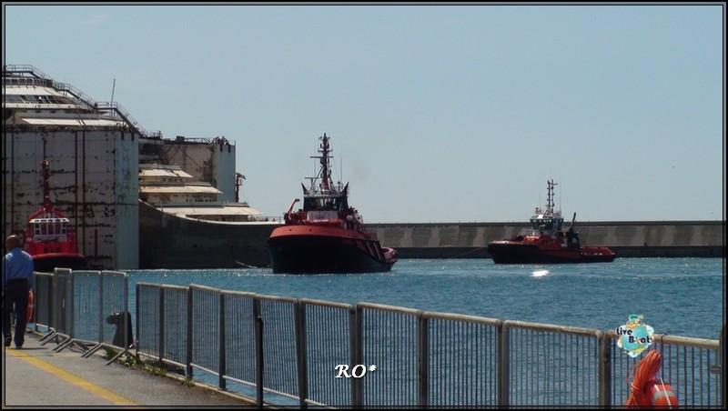 Liveboat in Diretta dall'Isola del Giglio e arrivo a Genova-86foto-costaconcordia-genova-arrivo-jpg
