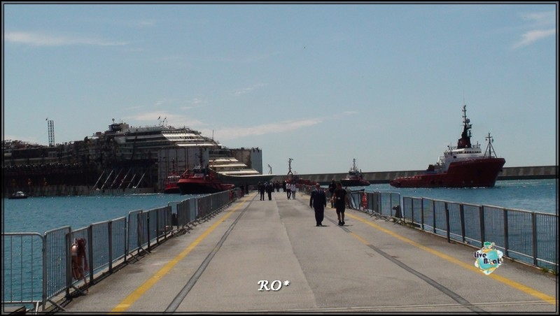 Liveboat in Diretta dall'Isola del Giglio e arrivo a Genova-89foto-costaconcordia-genova-arrivo-jpg